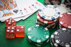 How to select the world famous poker site?